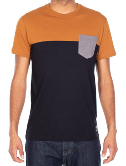 Block Pocket 2 Tee [cara black]