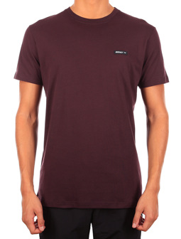 Served Flag Tee [aubergine]