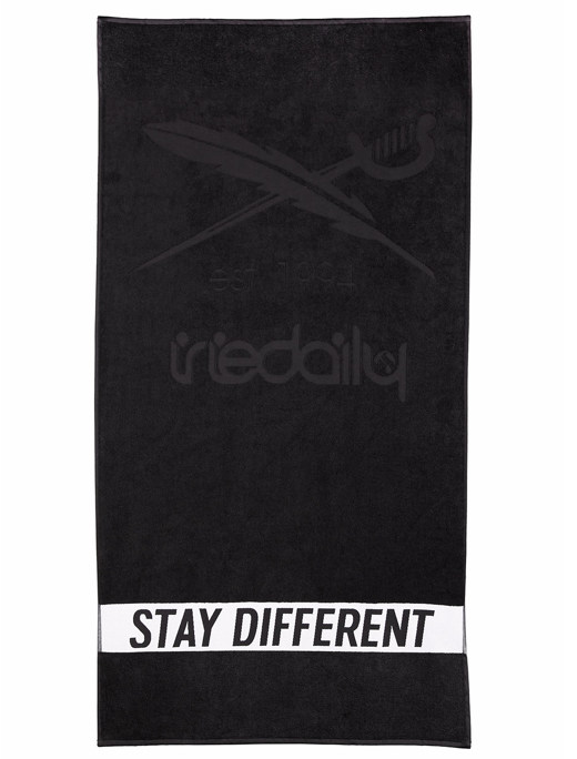 Stay Different Towel  [black]